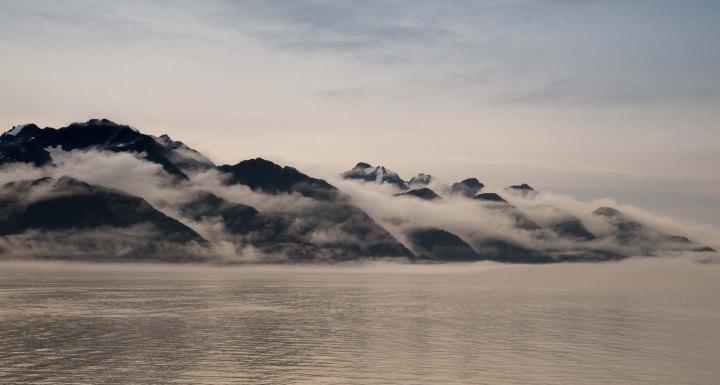 fog-over-resurrection-bay-1